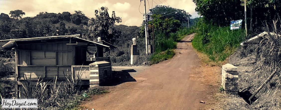 Pertigaan Desa Kulubanyu Tawangrejo jalan menuju bukit Watu Jengger Pertigaan Desa Kulubanyu Tawangrejo