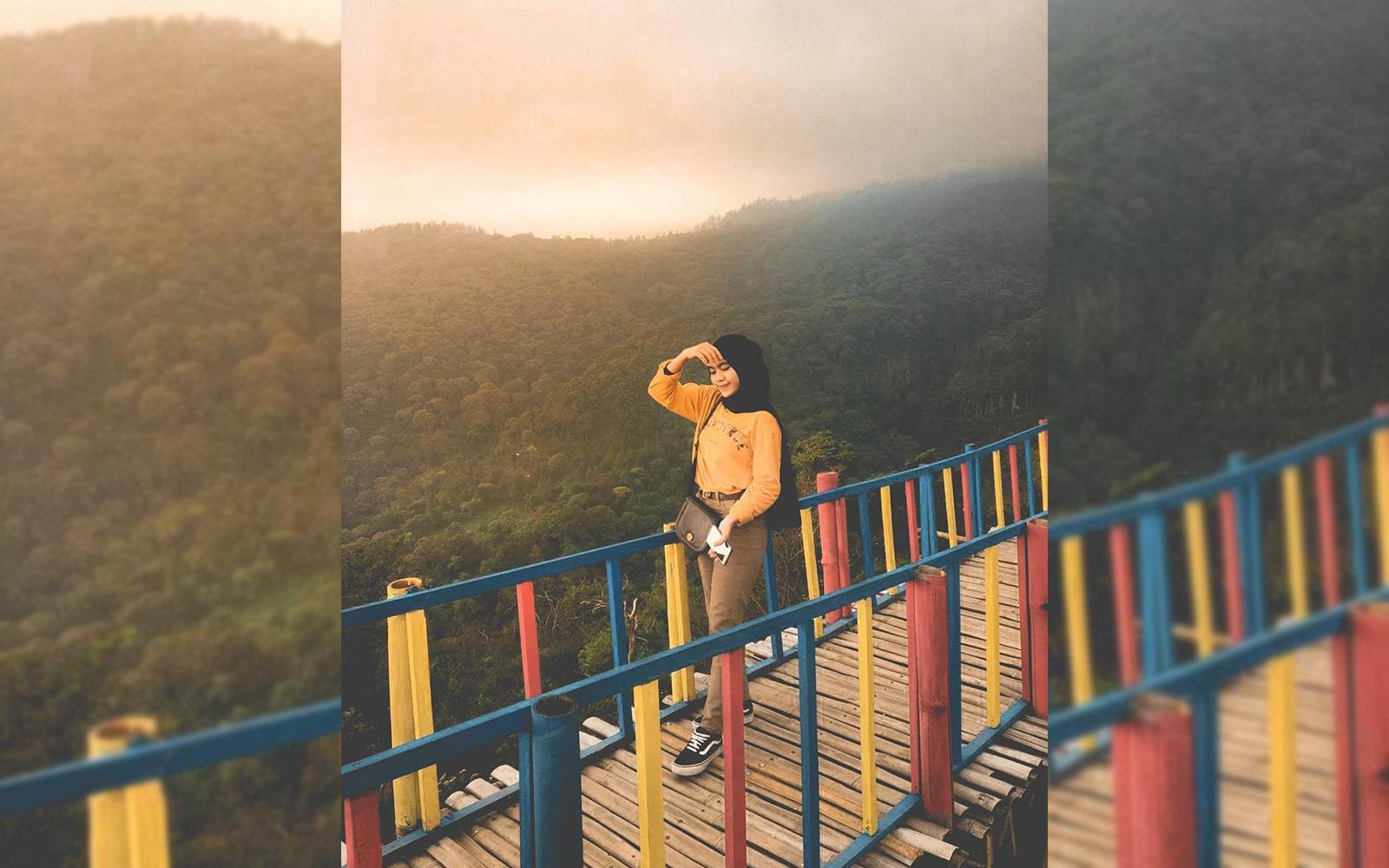Jembatan Bambu Sendi Adventure Pacet