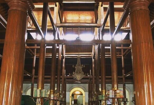 Tiang Kayu Masjid Sunan Ampel