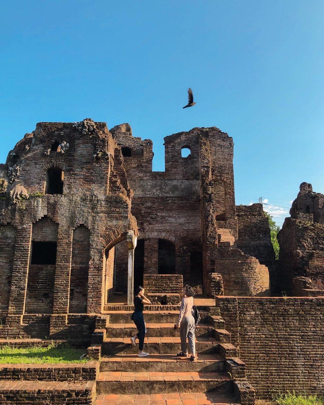 Bangunan Peninggalan Sejarah Gua Sunyaragi