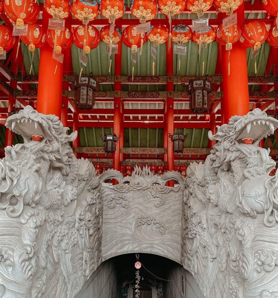 Salah Satu Interior Sam Poo Kong Lengkap Dengan Lampion @pinktravelogue