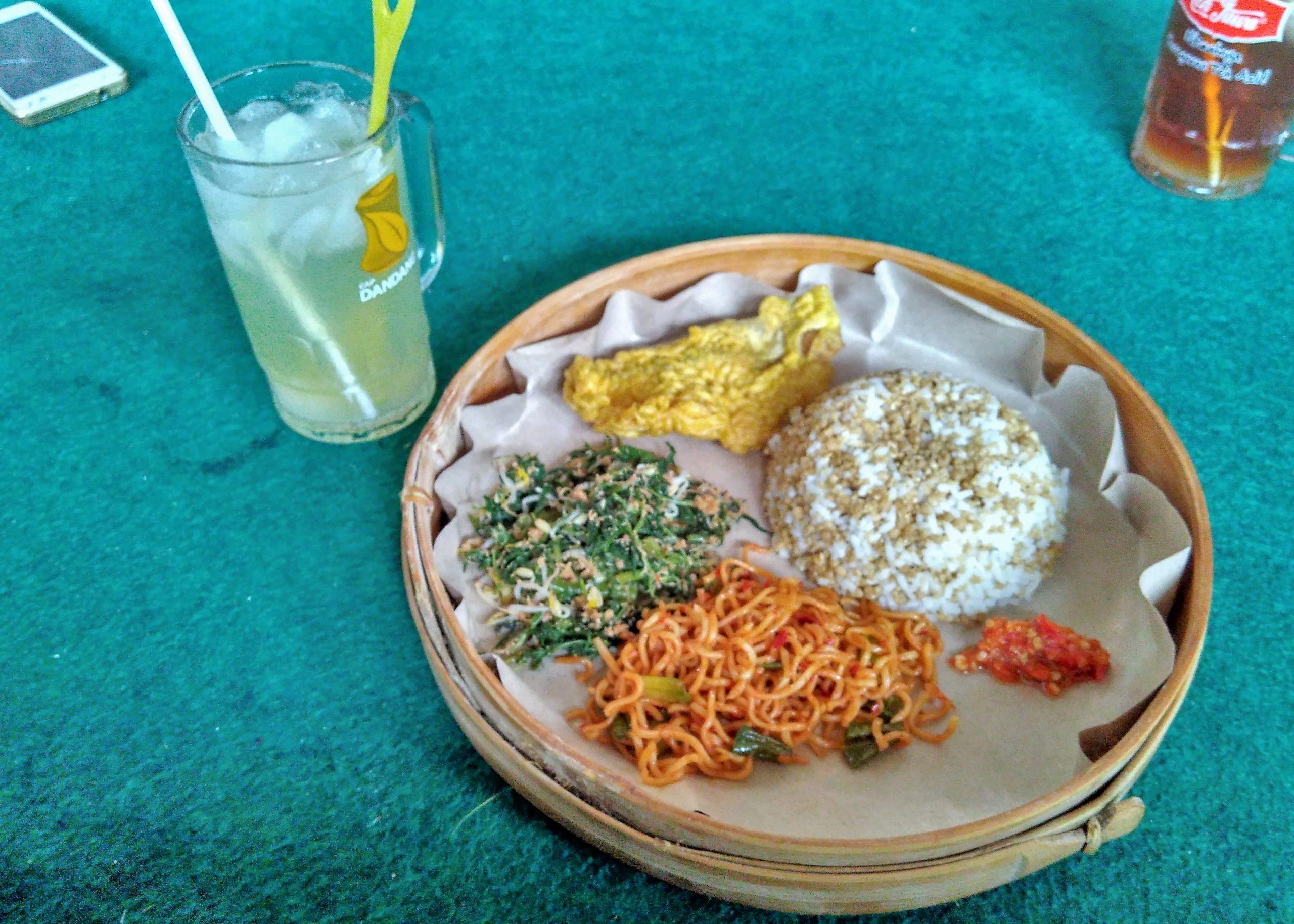 Nasi Tiwul Warung Lesehan Bukit Indah Pacitan