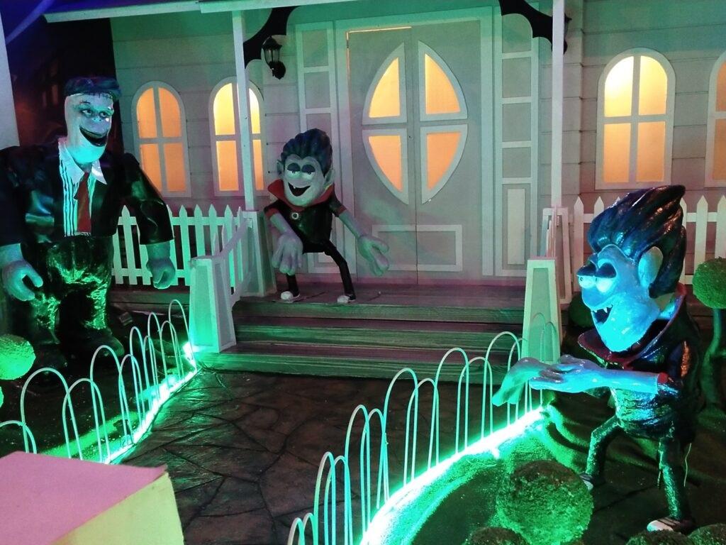 Rumah Hantu Milenial Glow Garden Malang